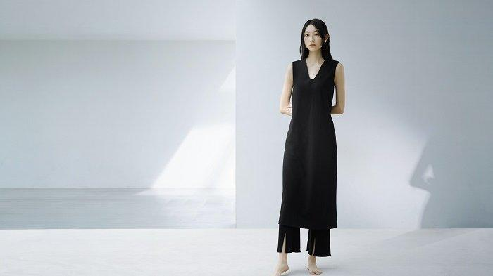 Koleksi terbaru Uniqlo hasil kolaborasi dengan desainer Jepang, Maiko Kurogouchi.