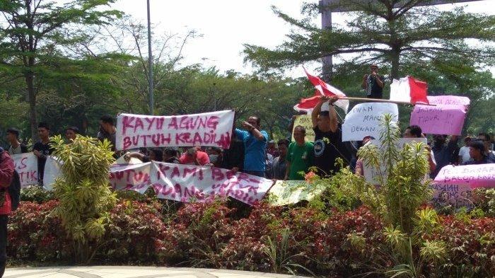 Pilkades Tangerang Memanas, Warga Geruduk Gedung DPRD