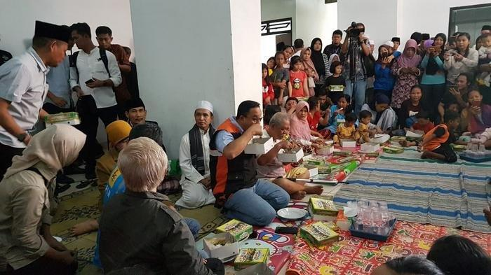 Keteteran Cek Posko Pengungsi, Anies Baswedan Curhat Butuh Sosok Wakil Gubernur