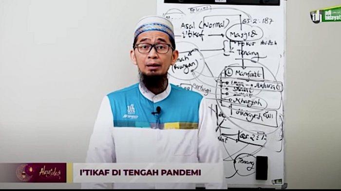 Meraih Malam Lailatul Qadar Tidak Harus di Masjid, Simak Tips Ustaz Adi Hidayat Iktikaf di Rumah