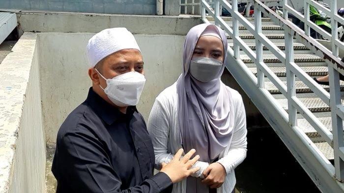 Ustaz Yusuf Mansur dan Wirda Mansur di Trans TV, Mampang Prapatan, Jakarta Selatan, Senin (1/2/2021).