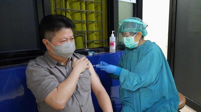 Jumlah Ketersedian Vaksin Covid-19 Kecamatan Penjaringan tidak Mencukupi Kebutuhan Lansia