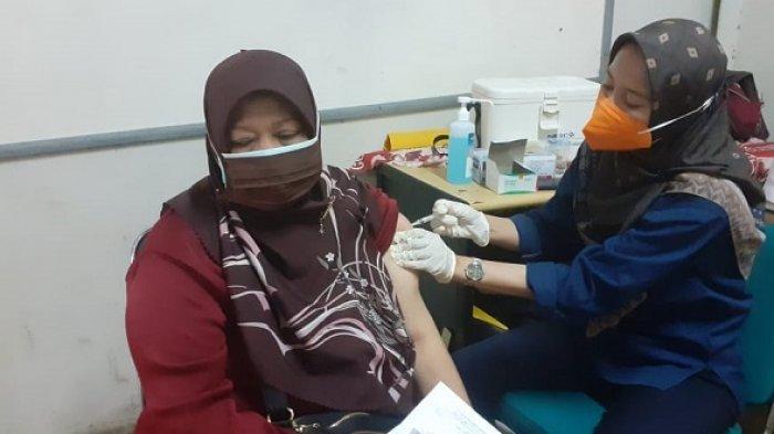 Kapolsek Pamulang Coba Tanggulangi Pandemi Virus Corona di Wilayahnya Lewat Aksi Vaksinasi Covid-19
