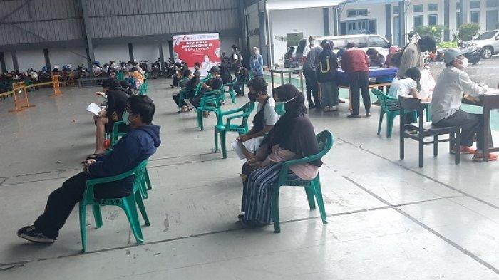 Tak Ingin Terpapar Covid-19 Seperti Suami, Haryani Ikut Vaksinasi Massal di Lanudal Pondok Cabe