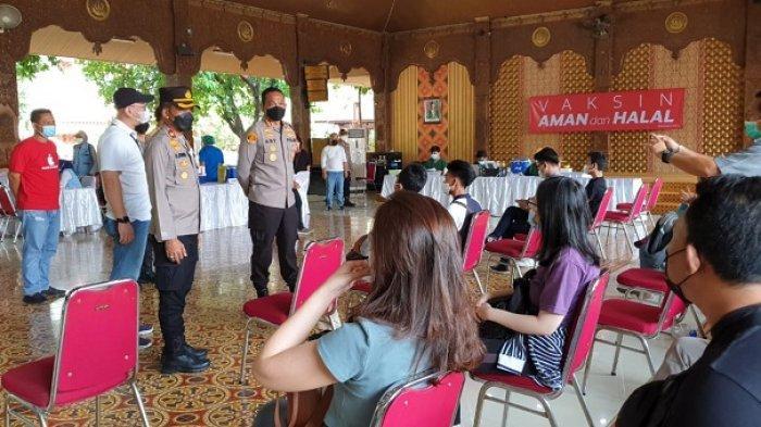 Kapolres Metro Jakarta Barat Kerahkan Polsek untuk Mengejar Target Vaksin Covid-19