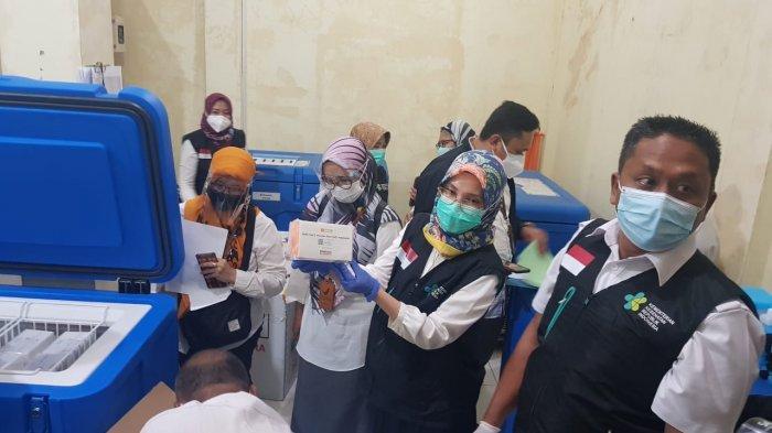 Vaksin Telah Tiba di Kabupaten Bekasi, Bupati Akan Melaksanakan Vaksinasi di Cikarang Utara