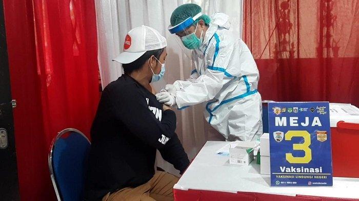 Pemprov DKI Gelar Program Bawa 2 Lansia Gratis 1 Vaksin Non Lansia, Begini Caranya