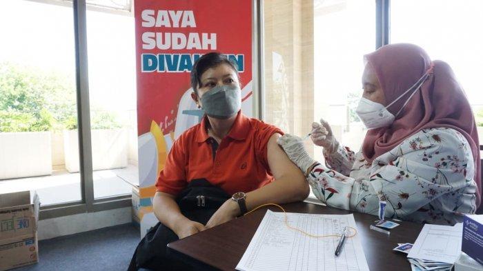 Gerakan Indonesia Pasti Bisa bersama Dinas Kesehatan Kota Semarang membuka sentra vaksinasi di Mall Tentrem, Semarang pada 20-21 September 2021. Penyelenggara juga memberikan bantuan sembako kepada peserta vaksinasi.