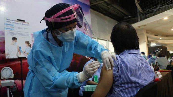 Dinkes Targetkan 171.000 Lansia di Kota Bekasi Menjadi Sasaran Vaksin Covid-19, Kabid P2P: Bertahap