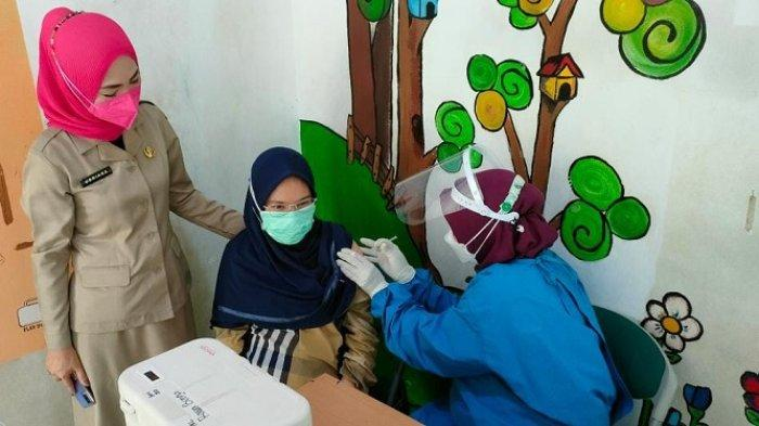 Kelurahan Rawa Bunga  Gelar Vaksinasi Covid-19 Menggunakan Dua Jenis Vaksin, ada Pfizer dan Sinovac