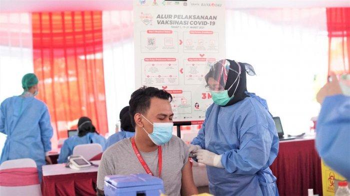 Gubernur DKI Anies Baswedan Apresiasi Bank DKI Menggelar Vaksinasi Covid-19 Selama Dua Hari
