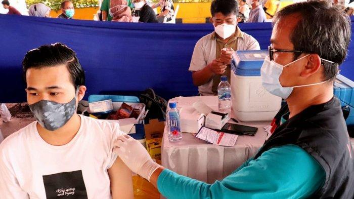 Vaksinasi Gotong Royong bagi perusahaan-perusahaan di Kabupaten Bekasi, mulai bergulir sejak Selasa (18/5/2021).