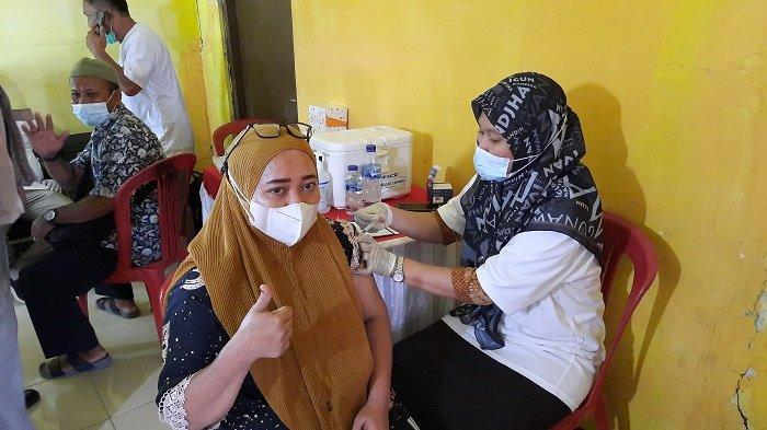 VIDEO : Hebat ! 100 Persen Warga Desa Banjarsari Sudah Vaksinasi Covid-19