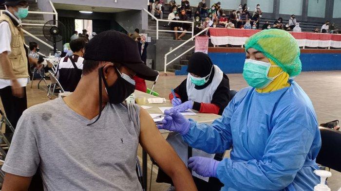 VIDEO : Vaksinasi Covid-19 Tahap II Kota Tangerang Digelar di GOR Dimyati