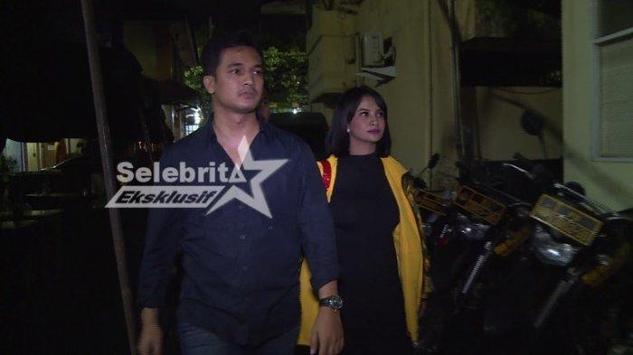 Vanessa Angel dan Bibi Ardiansyah ketika digelandang ke Polres Metro Jakarta Barat, Senin (16/3/2020) malam.