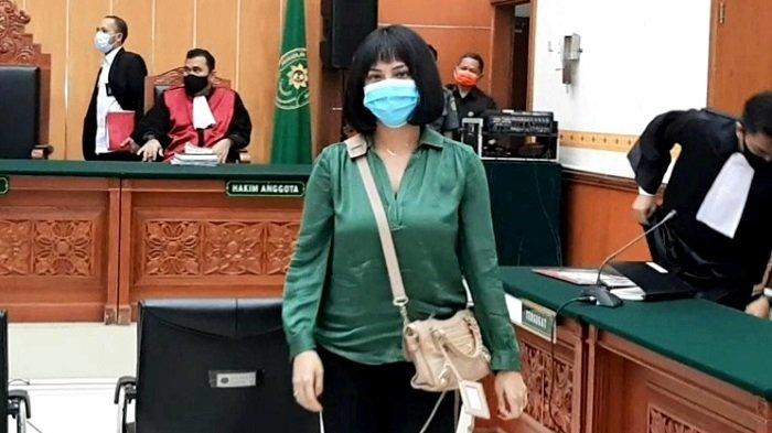 Dituntut Enam Bulan Penjara, Vanessa Angel Ajukan Pledoi