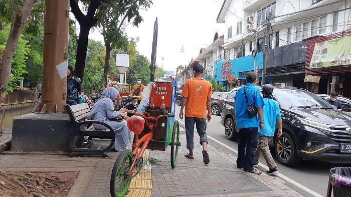 Koalisi Pejalan Kaki Sebut 90 Persen Trotoar di DKI Jakarta Masih Diokupansi