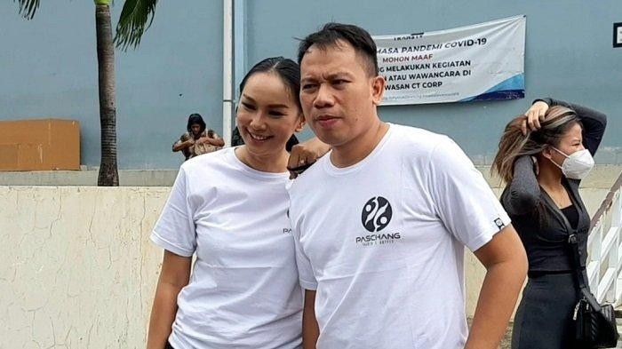 Vicky Prasetyo dan Kalina Oktarani di TransTV, Mampang Prapatan, Jakarta Selatan, Senin (21/12/2020).