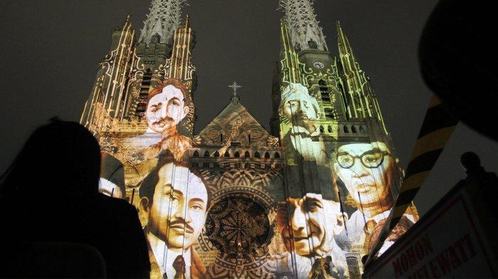 Malam Ini Video Mapping Sumpah Pemuda Garapan JVMP Diputarkan Terakhir di Gereja Katedral Jakarta