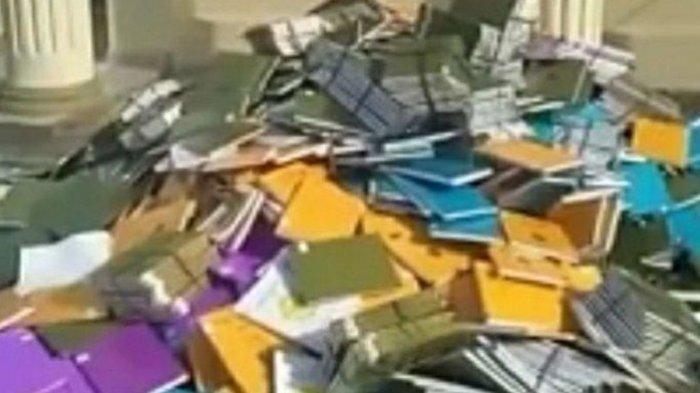 VIDEO Tumpukan Bundelan Skripsi Dibuang, Dilempar Keluar Jendela dari Lantai Dua, Rektor Murka