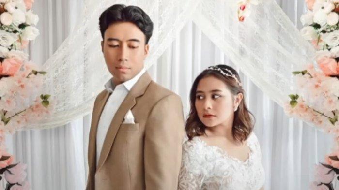 Lagu Tak Bisa Bersama pernah dinyanyikan Vidi Aldiano medio 2016. Kini Vidi Aldiano mengajak duet Prilly Latuconsina menyanyikan Tak Bisa Bersama yang dirilis pada 4 September 2020.