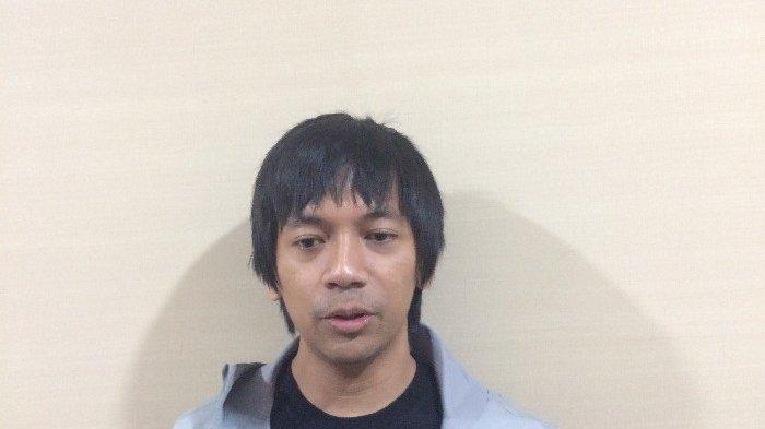 Vokalis Rian DMasiv saat ditemui di Telkom Landmark Tower, kawasan Gatot Subroto, Jakarta Selatan, Kamis (11/4/2019).