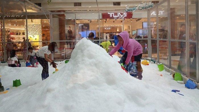 Tak Cuma Main Salju, Pondok Indah Mall juga Gelar Akrobatik Gratis dari Rusia dan Jakarta Great Sale