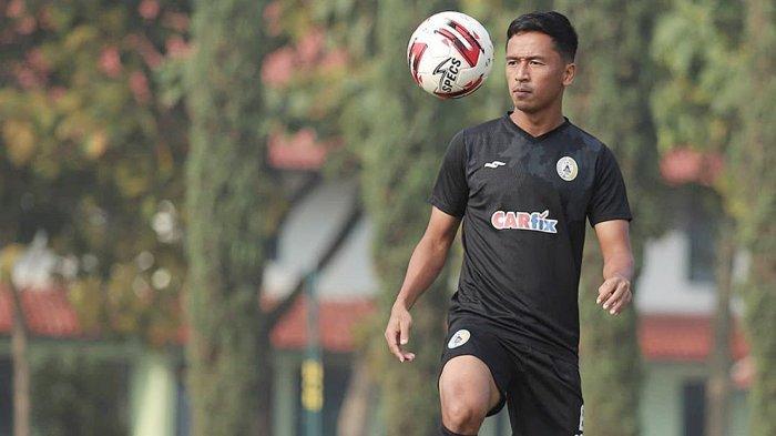 Wahyu Sukarta Gelandang Bertahan PS Sleman Ajak Rekannya Wujudkan Target ke Babak Delapan Besar
