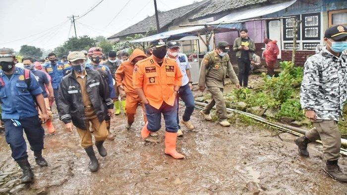 Wakil Bupati Bogor Tinjau Lokasi Pengungsian Banjir Bandang Gunung Mas, Tampung Pengungsi di Villa