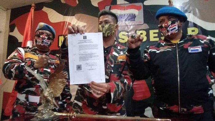 Wakil Ketum LMP Tunjukkan Surat Keterangan Terdaftar Badan Hukum Kemenkumham