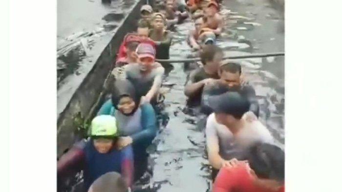 Wali Kota Jakarta Barat Buka Suara soal Video Viral Pegawai Honorer Berendam di Saluran Air
