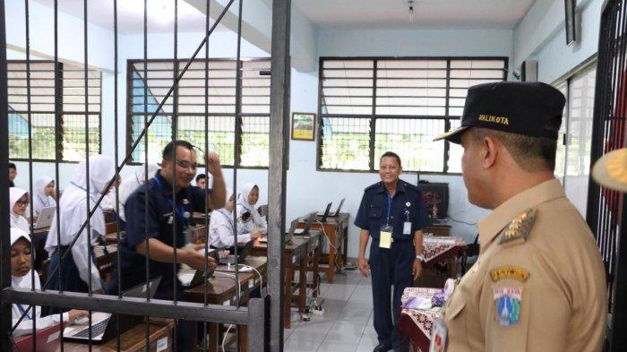Tersedianya Internet dan Listrik Membuat UNBK SMP di Jakarta Utara Bisa Berjalan Lancar