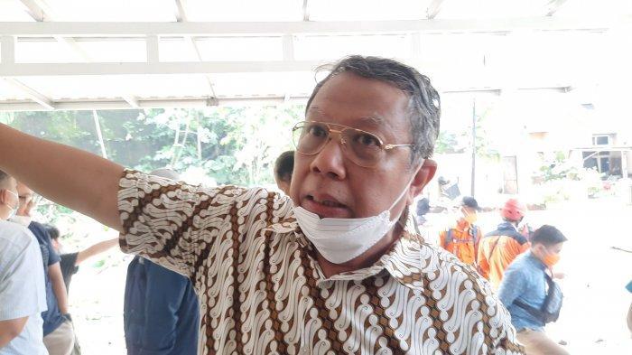 Benyamin Davnie Kumpulkan RT RW Cari Solusi Agar Kebutuhan Para Korban Longsor Turap Terpenuhi