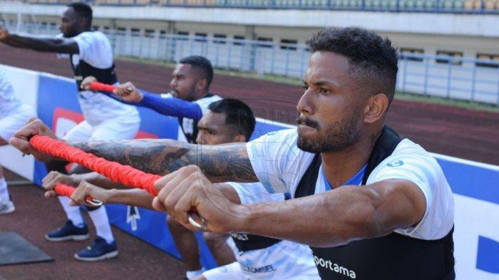 Wander Luiz bomber Persib asal Brasil sudah tidak sabar untuk berlatih bersama timnya