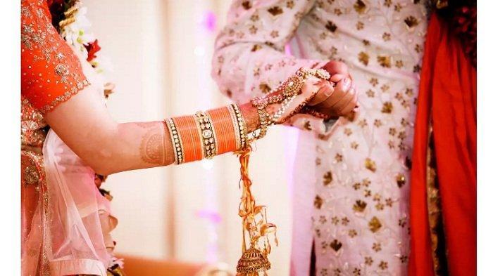Datang ke Pesta Pernikahan, Sang Wanita Kaget Mempelai Pria Suaminya Sendiri