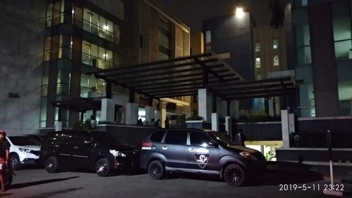 Wanita Panggilan Ditemukan Telanjang Diduga Dibunuh di Apartemen Tangerang