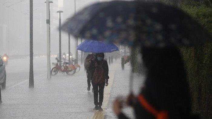 Prakiraan Cuaca dan Peringatan Dini Jabodetabek Senin, 1 Februari, Hujan Sedang-Lebat hingga Malam