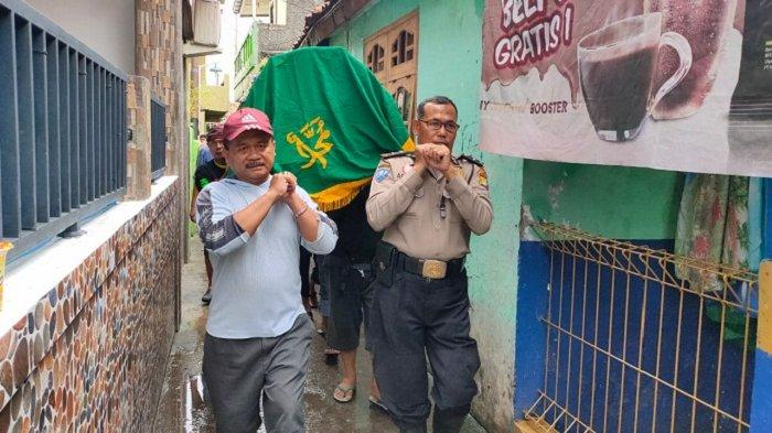 Warga Harapan Mulya Kota Bekasi Tewas, Diduga Kesetrum Listrik Saat Banjir