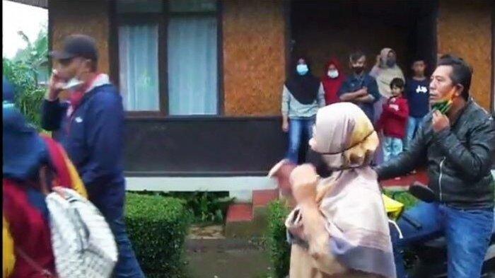 Warga Kampung Gunung Mas Puncak Bogor Sedang Makan, Tiba-tiba Banjir Bandang Menerjang