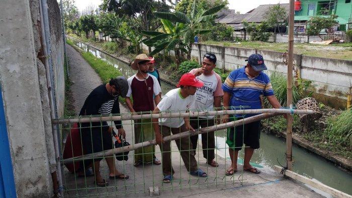 VIDEO: Warga RT 02/08 Margasari Karawaci, Kota Tangerang Menutup Sementara Akses Jalan