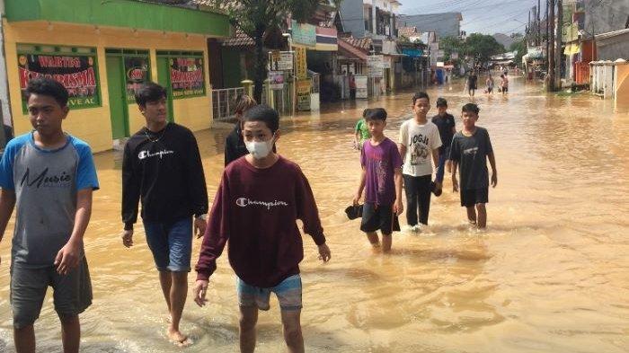 Capek Banjir Terus, Warga Villa Nusa Indah Minta Pemkab Bogor Perbaiki Tanggul Kali Cileungsi