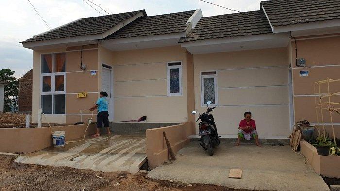 Program Satu Juta Rumah  Kementerian PUPR Dukung Tukang Cukur di Garut - warkot-pupr_02.jpg