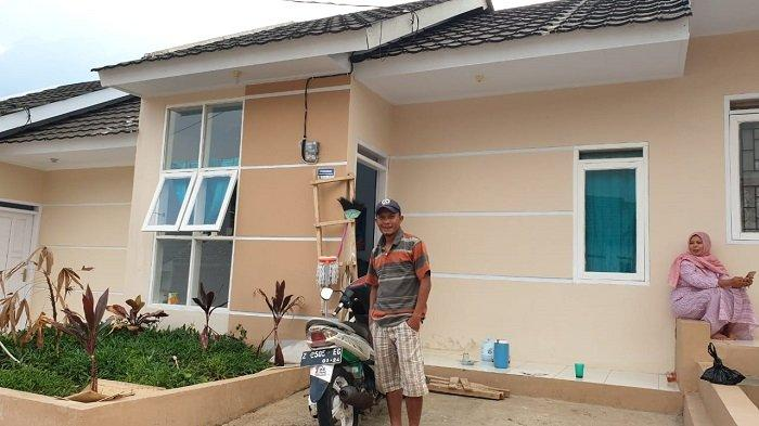 Program Satu Juta Rumah  Kementerian PUPR Dukung Tukang Cukur di Garut - warkot-pupr_07.jpg