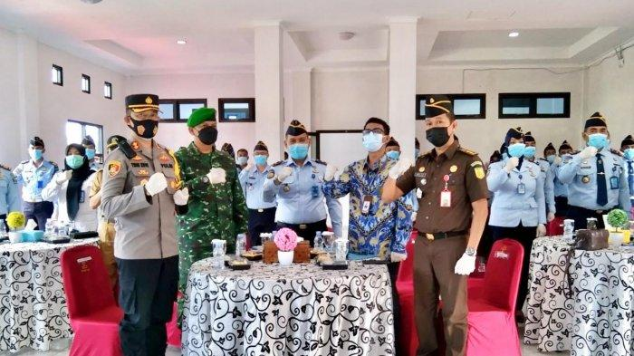 Rupbasan kelas II Pangkalpinang, memfasilitasi kegiatan Deklarasi Janji Kinerja Tahun 2021 Pencanangan Pembangunan Zona Integritas Menuju Wliayah Bebas dari Korupsi (WBK) dan Wilayah Birokrasi Bersih Melayani (WBBM) di wilayah Kementerian Hukum dan Hak Asasi Manusia Provinsi Bangka Belitung, Selasa (23/2/2021)