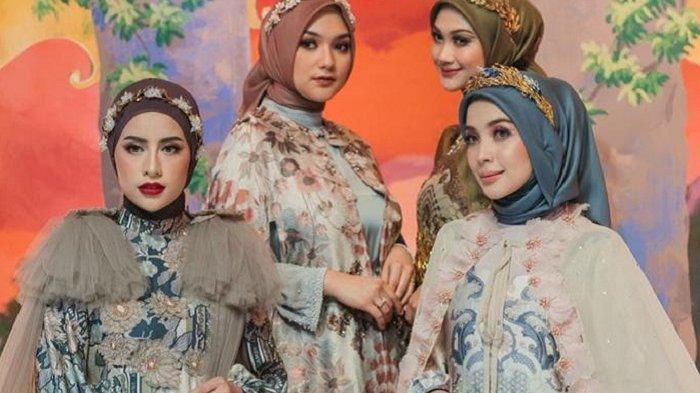 Wearing Klamby meluncurkan koleksi terbarunya untuk Ramadan dan Lebaran. Peluncuran koleksi barunya ini ditandai melalui peragaan busana secara daring.