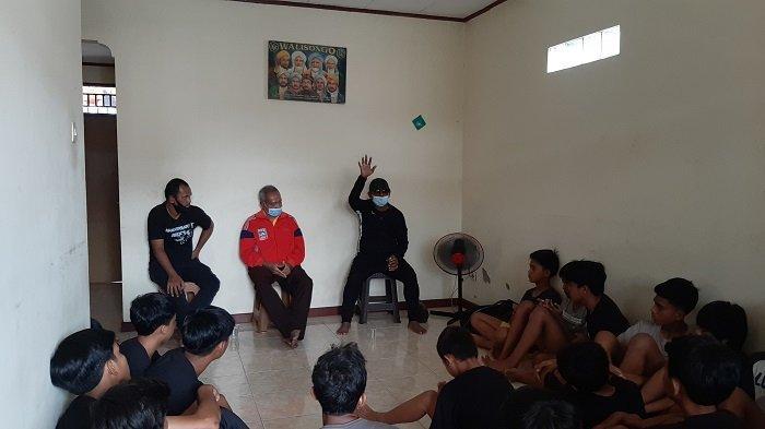 Soal Berlatih Sepak Bola, Ini Wejangan Guru Besar Pelatih Indonesia Emral Abus
