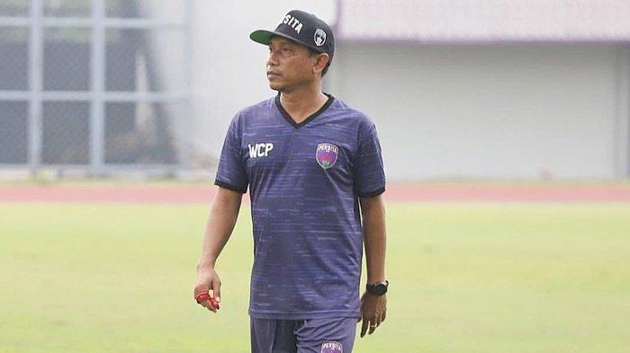 Walau hanya mengandalkan pemain muda lokal, pelatih Persita Tangerang Widodo Cahyono Putro tetep menargetkan timnya lolos dari fase grup D Piala Menpora
