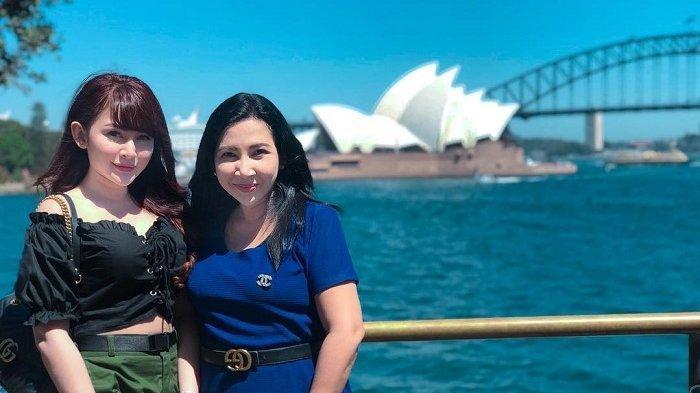 Selebgram Winny Putri Lubis Buka Bisnis Kuliner Bersama Sang Ibunda
