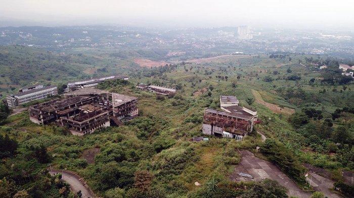 Wisma Atlet Hambalang, tampak dari udara berdiri di lereng Bukit Hambalang, Citeureup, Kabupaten Bogor. pada Selasa (2/2/2021).