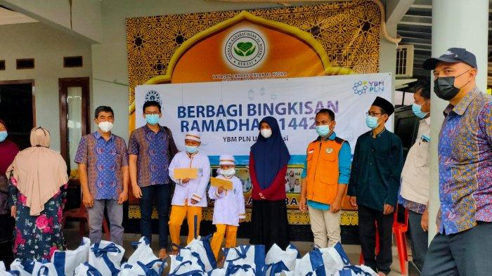 Mencari Berkah, YBM dan PLN UP3 Bekasi Gelar Aksi Sosial Maraton Sepanjang Bulan Ramadan